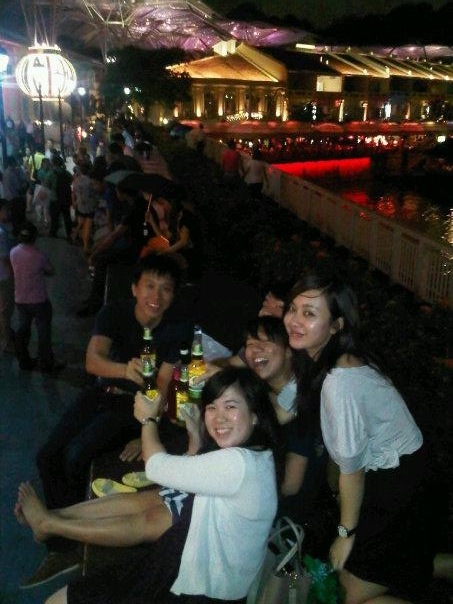 Hang out hemat di Clarke Quay!