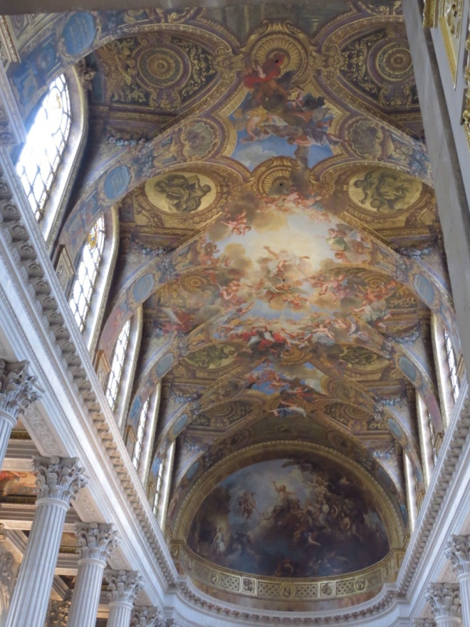 It was pretty much the same grand ceiling all over the palace