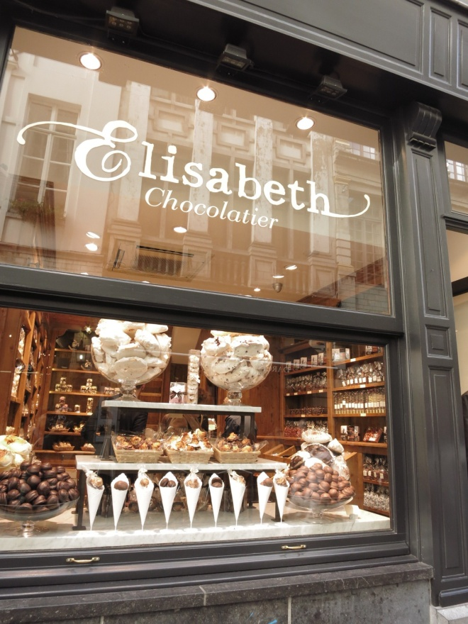 Chocolate stores everywhere.... *drooling*