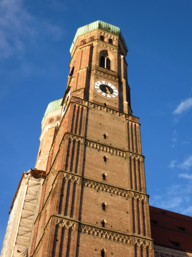 The clock tower near Marienplatz