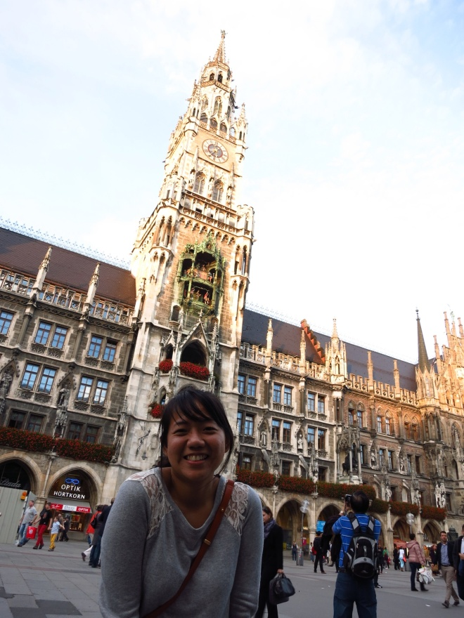 Marienplatz, the centre of the Munich Market. Let the hungry games begin!!! XD